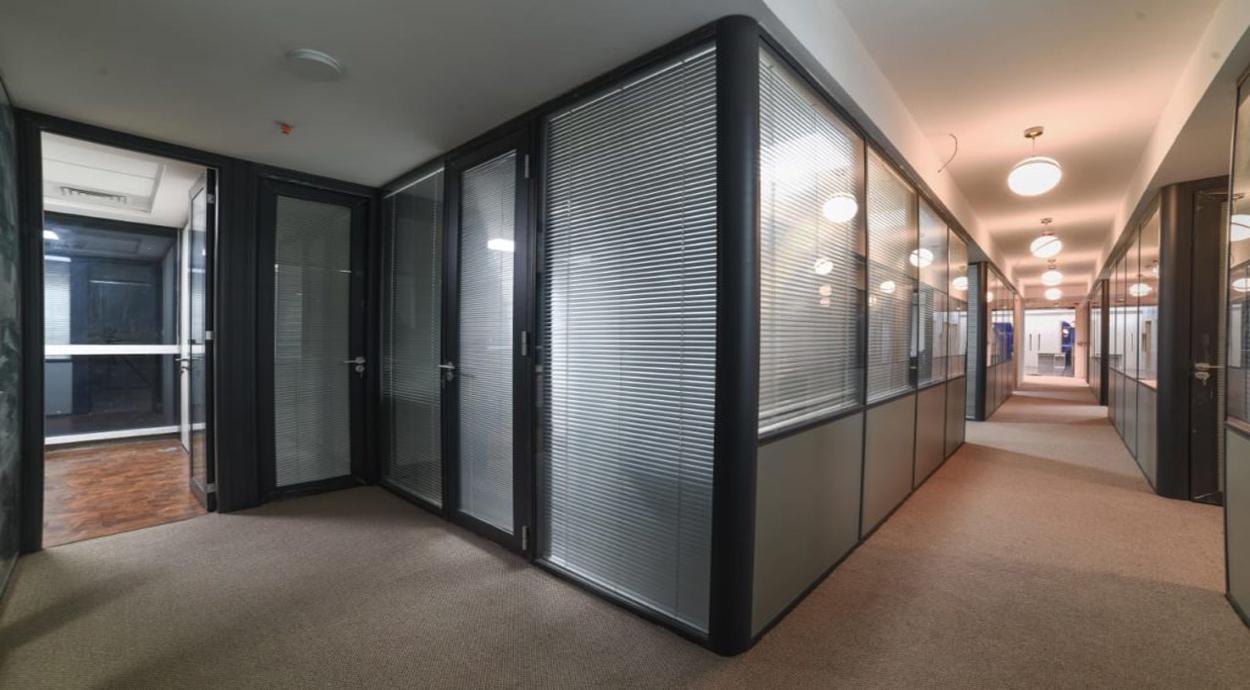 Directors cabin on rent