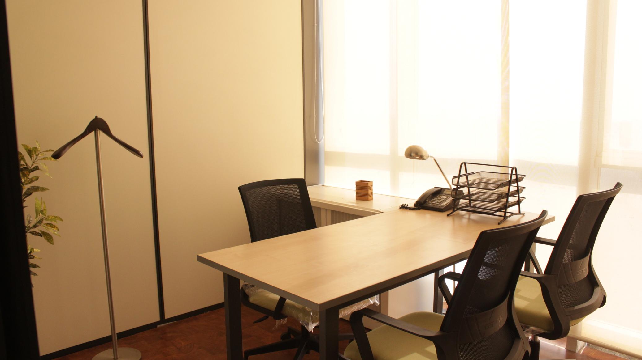 Directors cabin on rent in Vashi